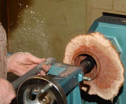 Cutting air with negative rake scraper.