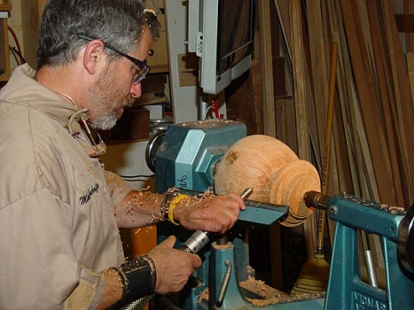 Shaping the bottom and cutting the large tenon as before.