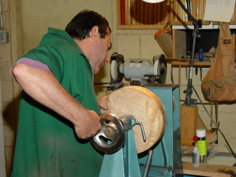 Start of bowl turning project to demonstrate tool technique