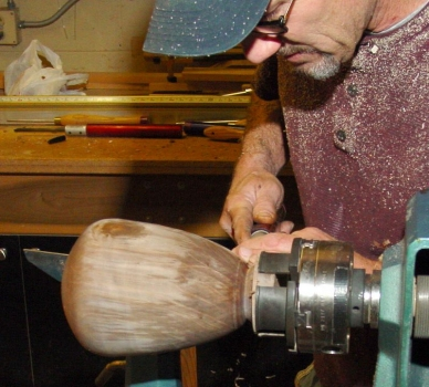 Final shaping of bottom after hollowing