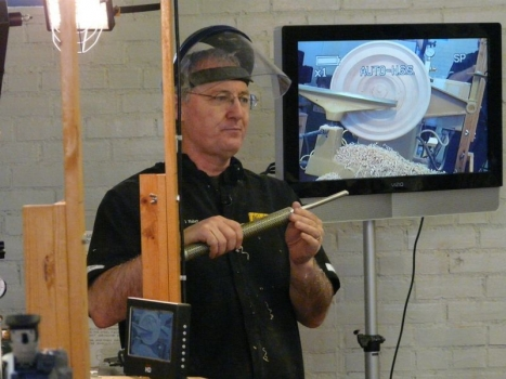Doug likes Oneway gouge and handle system
