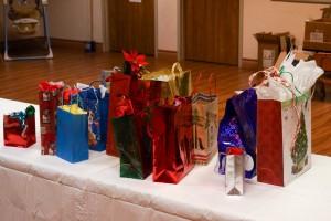 Gift Exchange Table