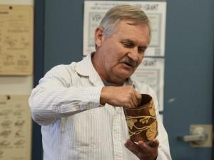 John As.: Ginko leaves pattern carved in Manzanita sapwood and heartwood